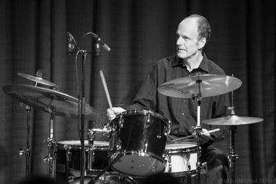 tangoX: Stefan Kremer, Schlagzeug